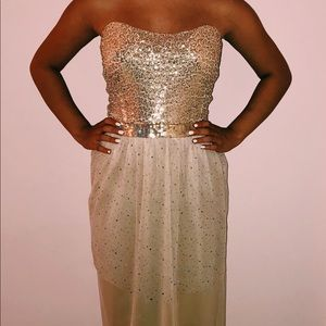 Dresses & Skirts - Gold prom dress